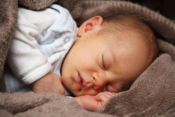 burun akıntısı bebek