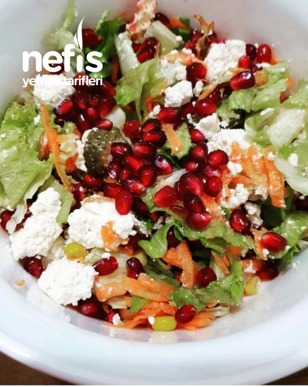 Diyette Narlı Salata