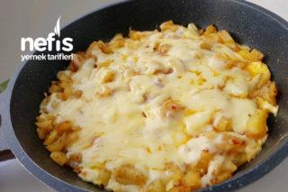 Sabah Kahvaltısına Kaşarlı Patates Tarifi