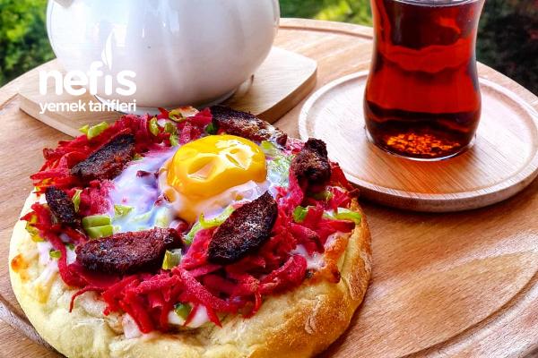 Yumurtalı Bazlama Pizza Tarifi