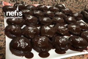 Çikolata Soslu Mini Kekler Tarifi