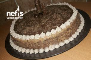 Çikolatalı Doğum Günü Pastası (Aşamalı) Tarifi