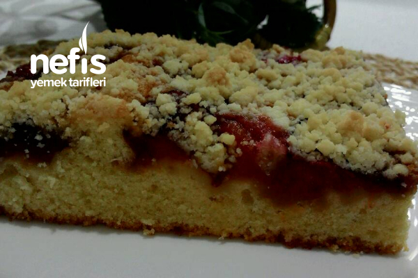 Karamelize Erikli Kırıntılı Kek Tarifi