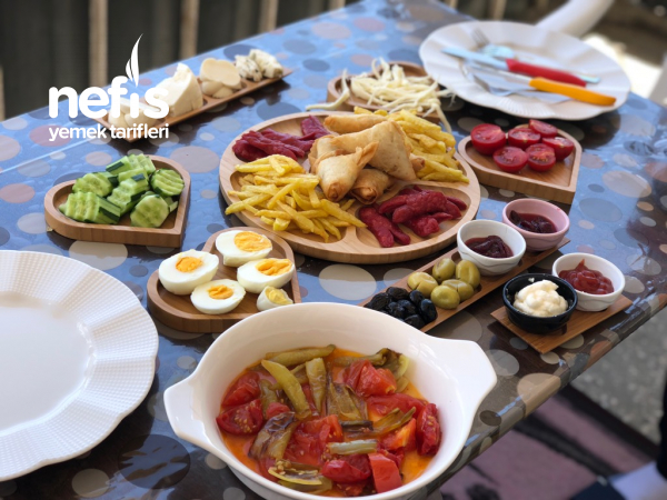 Balkonda Kahvaltı