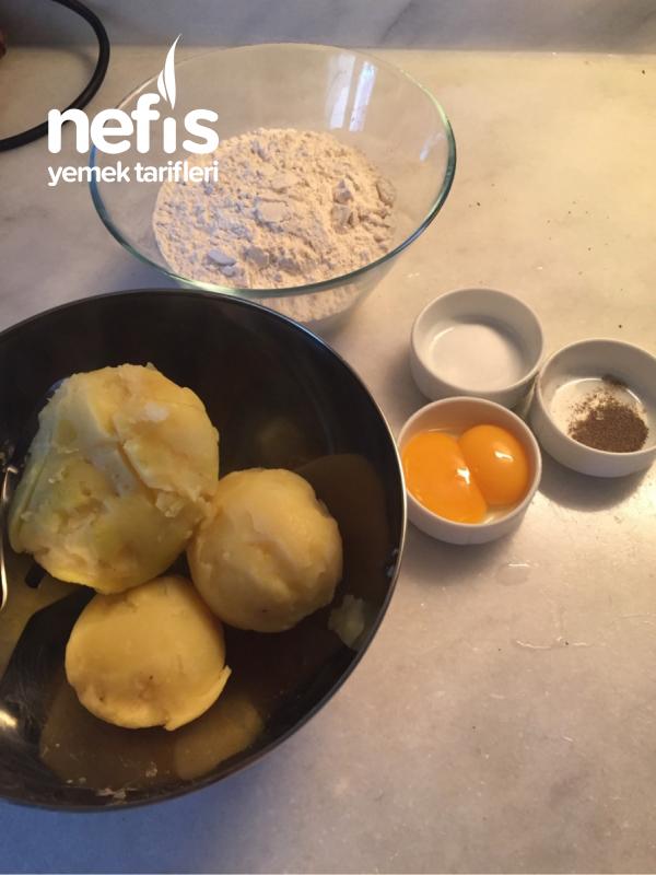 Bolonez Soslu Gnocchi (niyokki-patatesli Mantı)