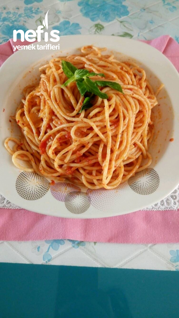 Harika Sosuyla Spagetti