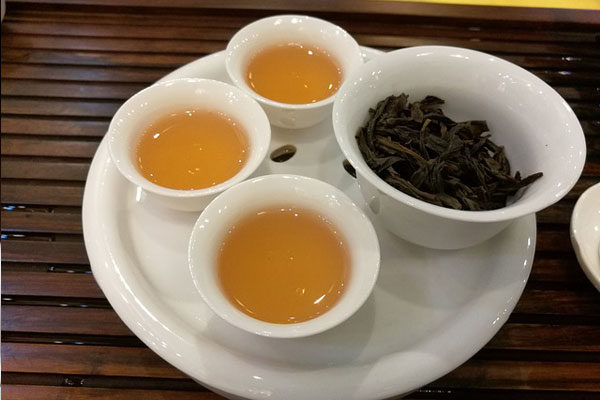 Oolong Çayı Nedir? Faydaları Nelerdir? Nerede Satılır? Nasıl Demlenir? Tarifi