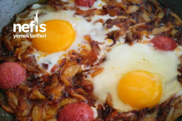 Osmanlı Mutfağından Soğanlı Yumurta Tarifi