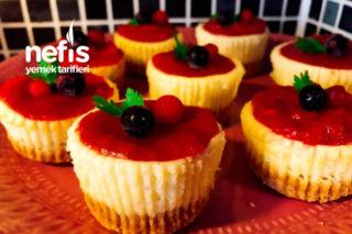 Muffin Kalıbında Mini Cheesecakek Tarifi