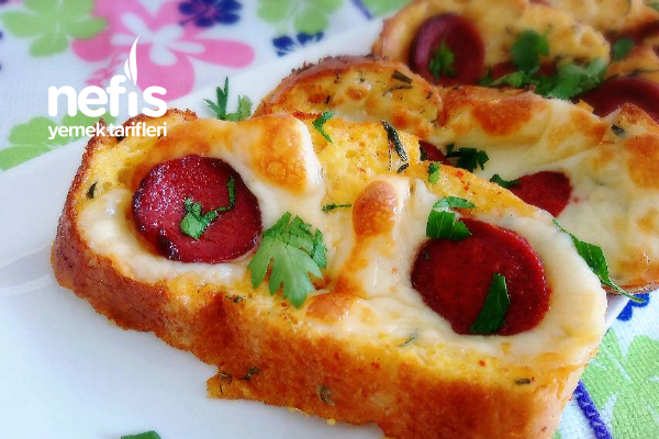 Kahvaltılık Yumurtalı Ekmek Pizzası Tarifi