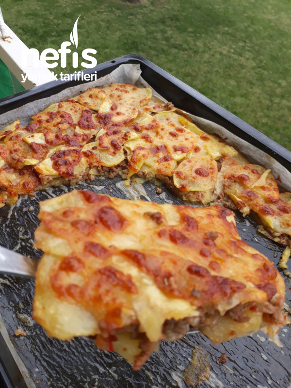 Parmak Yedirten Kıymalı Patates Lazanya