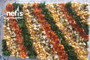 Köz Patlıcanlı Etimek Salatası Tarifi