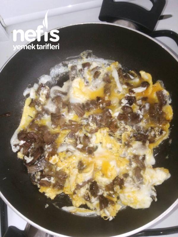 Kahvaltıya Yumurtalı Kavurma