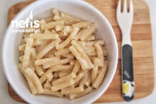 Sütlü Ve Peynirli Makarna (Bebekler İçin) 12+