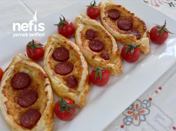 Şipşak Kahvaltılık Milföy Pide ( Kaşarlı-sucuklu )