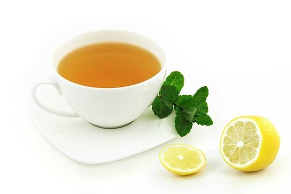 Sakinleştirici Çaylar: Sinirlerinizi Anında Yatıştıracak 12 Bitki Çayı Tarifi