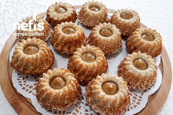Tahinli Susamlı Mini Kek (Bomba Lezzet) Tarifi