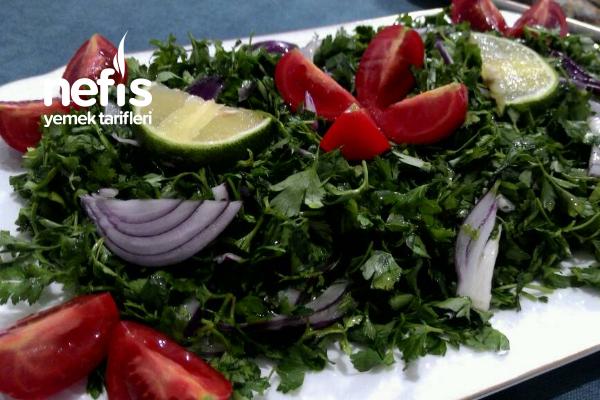 Maydanoz Salatası (Balığın Yanına Süper Bir Tarif)