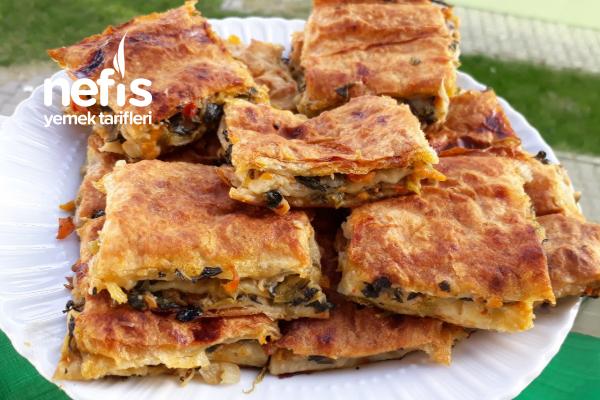 Havuçlu- Ispanaklı Enfes Börek (Sodalı-Yumuşacık) Tarifi
