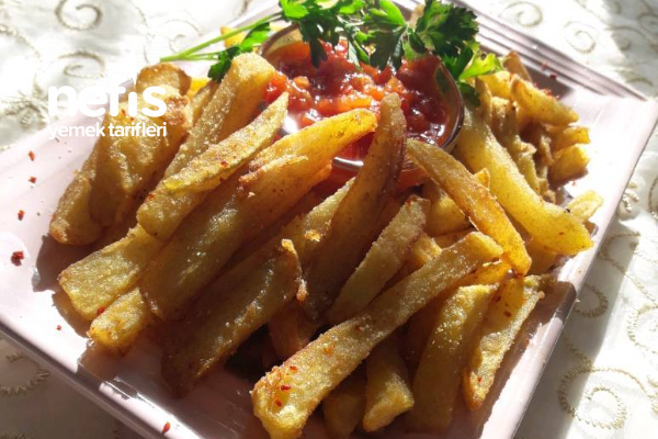 Mısır Unlu ,Baharatlı Patates Kızartması (Domates Sosu Eşliğinde) Tarifi