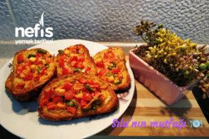 Fırında Yumurtalı Biberli Ekmekçikler Tarifi