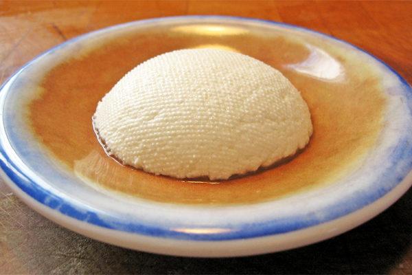 Ricotta Peyniri Nasıl Yapılır, Yenir? Ricotta ile 3 Enfes Tarif