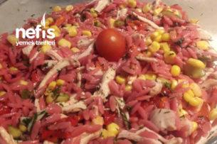 Yedikçe Yedirten Tavuklu Şehriye Salatası Tarifi