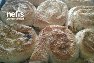Ispanaklı Pırasalı Gül Böreği Tarifi