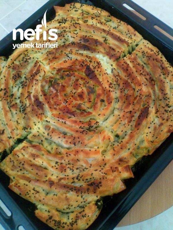 Sodalı Ispanaklı Kol Böreği