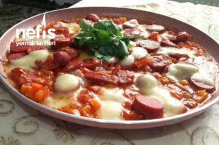 Kahvaltıya Nefis Sosis Tava ( Az Malzemeyle Müthiş Lezzet) Tarifi