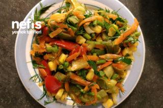 Renkli Biber Salatası Tarifi
