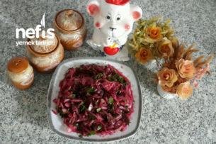 Sumaklı Narlı Soğan Salatası Tarifi