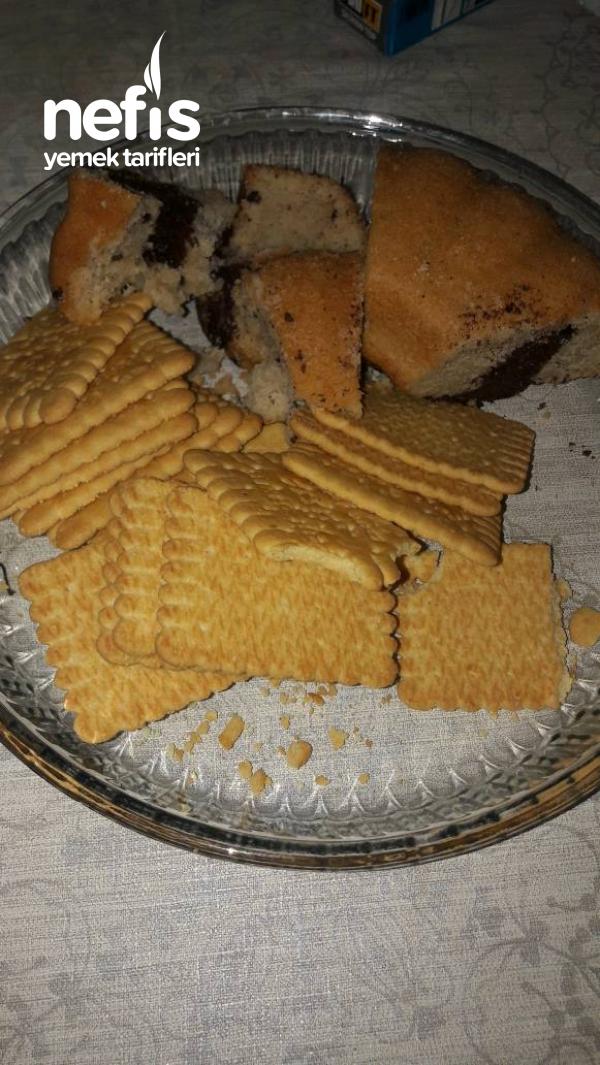 Artan Kek Ve Biskuviyle Muzlu Toplar