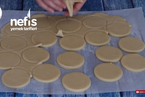 Pastane Usulü Elmalı Kurabiye (videolu)