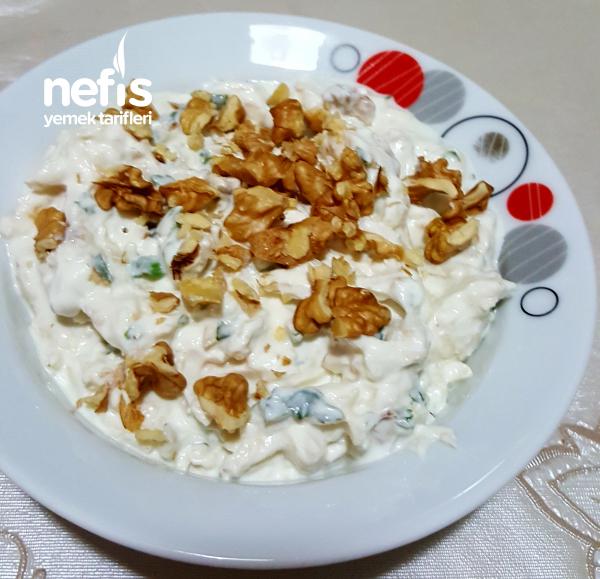 Nefis Cevizli Kereviz Salatası