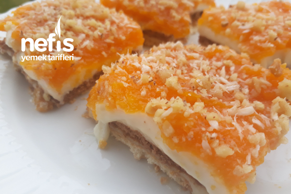 Balkabaklı Bisküvili Hafif Pasta (Kremasıyla Dehşet Lezzet) Tarifi