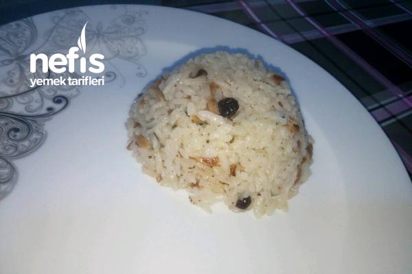 Kuş Üzümlü Pirinç Pilavı Tarifi