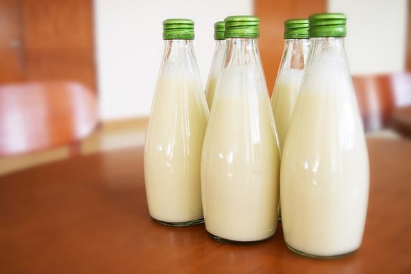 çiğ süt cilde faydaları