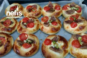Küçük Pizza Tarifi