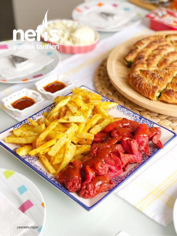Sosis Kızartması (soslu)