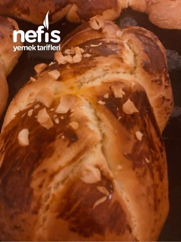 Ekmek Makinasında Paskalya Çöreği