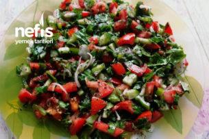 Kebaba Yakışan Salata Tarifi