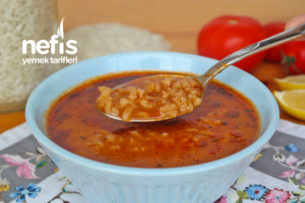 Az Malzemeli Nefis Pirinç Çorbası Yapımı (videolu) Tarifi