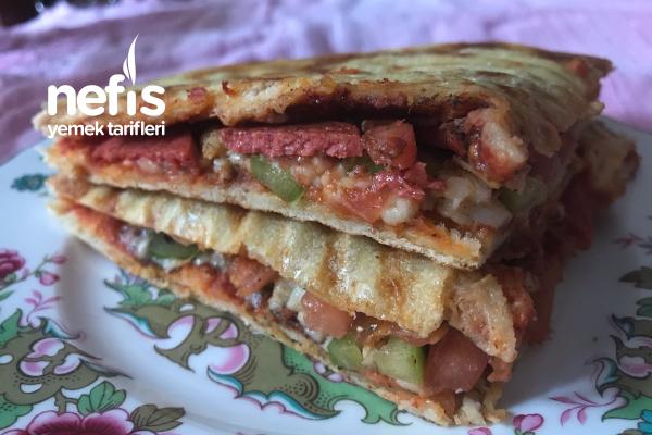 Bazlama Tost (Pizza Tadında) Tarifi