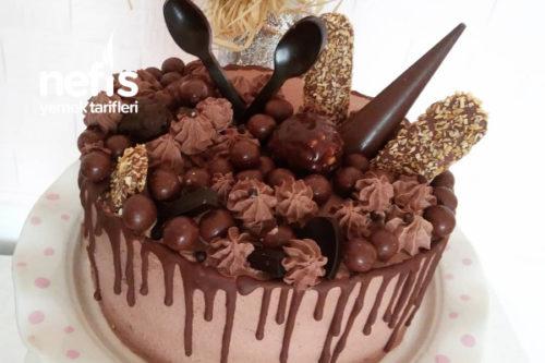 Eğlenceli Çikolata Bombası (Resimli Anlatım) Tarifi