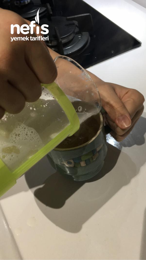 Evde köpüklü Latte Yapımı