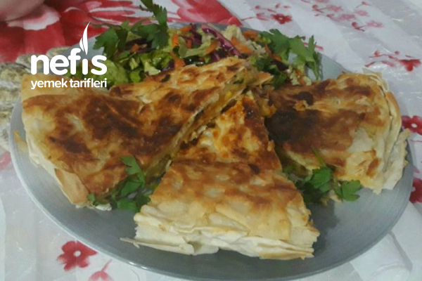Patatesli Nefis Yufkalı Börek ( Balık Tavasında) Tarifi