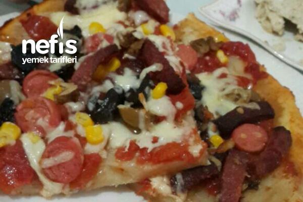 Evde Pizza (Bol Malzemos) Tarifi