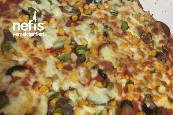 Evde Pizzam (Dışarıda Yenilenden Daha Mükemmel) Tarifi