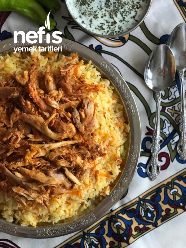 Teremyağlı Havuçlu Nohutlu Pirinç Pilavı Ve Baharatlı Tavuk